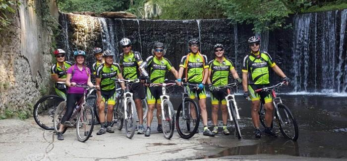 Alla Cascata della Mola di Isola Farnese con una nuova biker